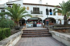ice cream shop mallorca for rent transfer