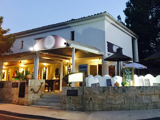 Beautiful Restaurant at the foot of the millionaire hill in Port Andratx – Mallorca – for transfer