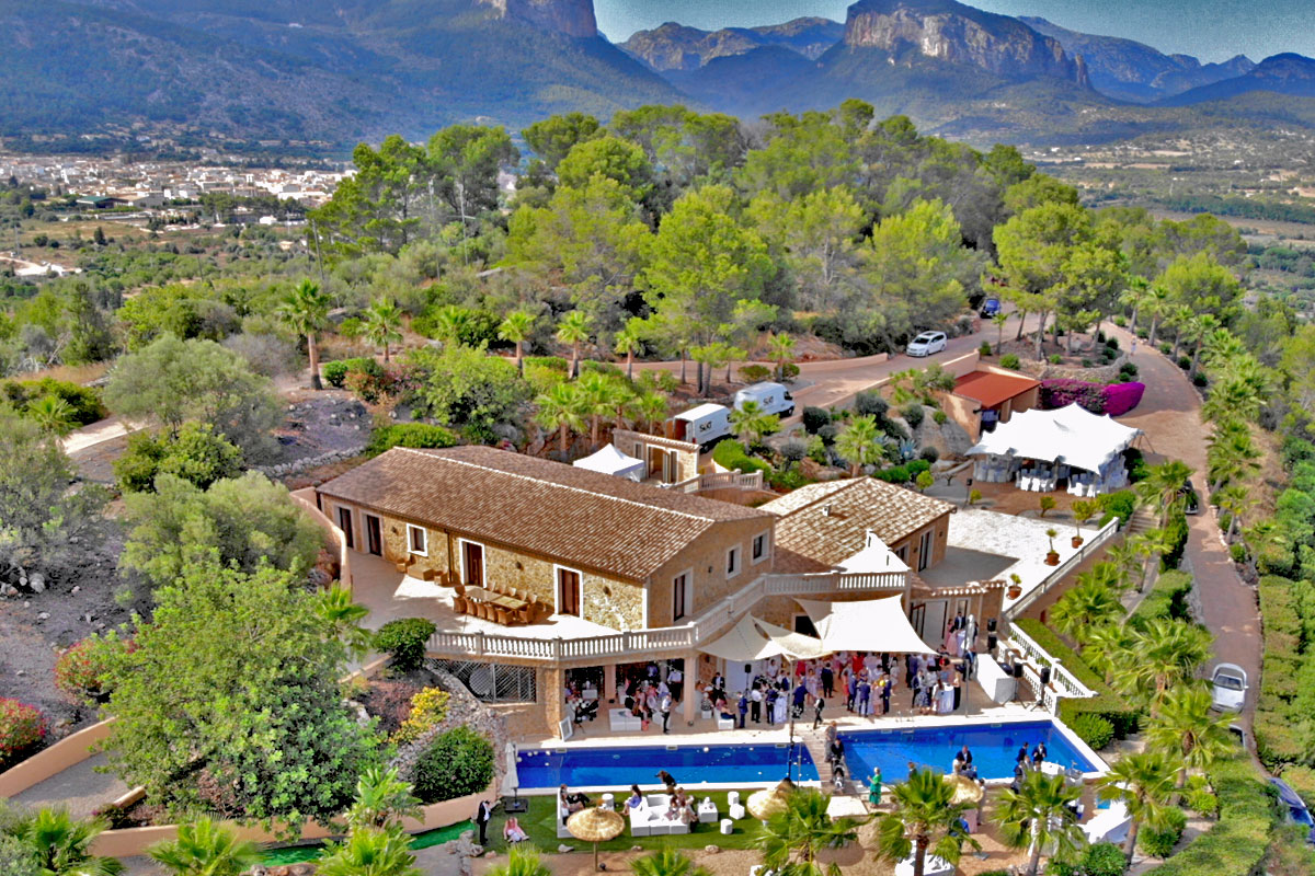 New natural stone country house (finca) with spectacular panoramic views in Alaro in Mallorca for sale